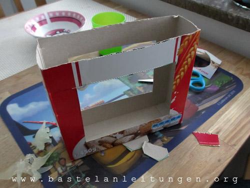 Karton von oben k�rzen und Fenster�ffnungen rausschneiden